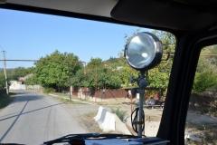 Abenteuerlich: Die Gasleitungen verlaufen Oberirdisch und gerne auch quer über die Straße
